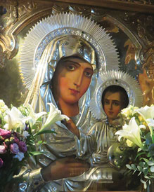 9 Ways the Virgin Mary is Our Mother