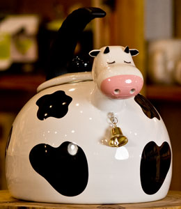 Cow Enamel-on-Steel Whistling Tea Kettle