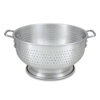 16 qt. Footed Aluminum Colander