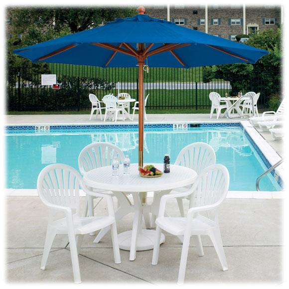 Grosfillex Wooden Market Umbrella