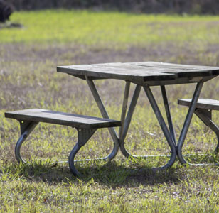 Park Benches & Picnic Tables