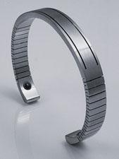 Q-Link Women's Stainless Steel Cuff Bracelet