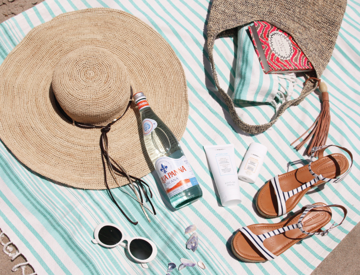 The Essential Beach Bag Packing List
