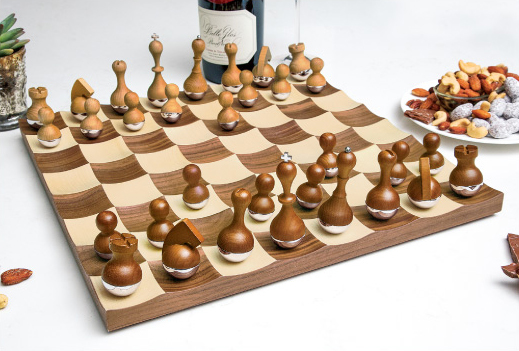 Wonderland Chess Set