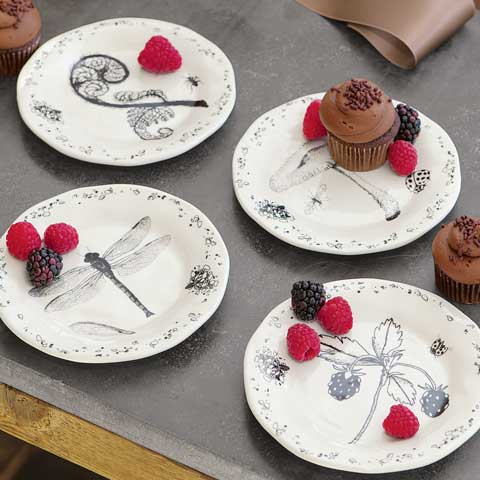 Bugs & Brambles Plate Set