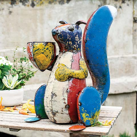 Simon Squirrel Planter