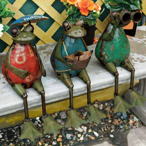 Traveling Frog Trio