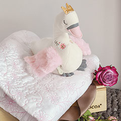 Musical Swan & Quilt