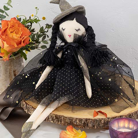 Petite Magda Witch