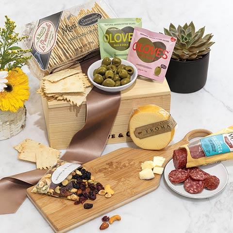 Meadow Serving Board & Snacks