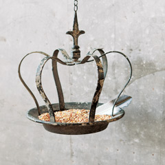 Antiqued Crown Bird Feeder