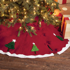 Heirloom Buttoned Tree Skirt