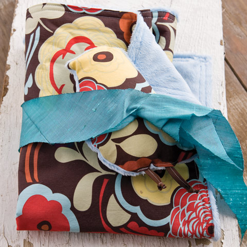 Chocolate Ming Blanket & Snuggle