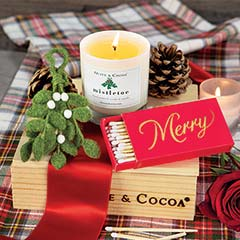 Olive & Cocoa Mistletoe Candle & Ornament Set