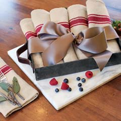 Linen Bistro Napkins & Rustic Tray