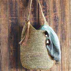 Raffia Tasseled Shoulder Bag