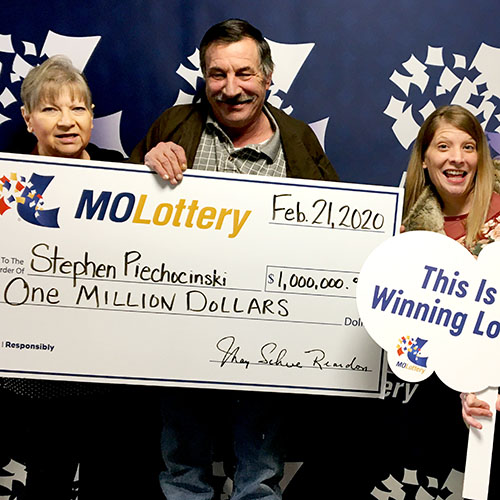 Missouri Lottery Powerball Winner Stephen Piechocinski