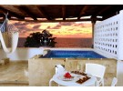 Img - Honeymoon suite with Jacuzzi oceanfront - free wifi