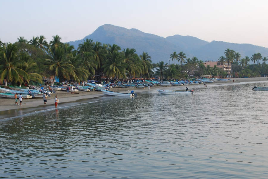 <p>Boat rides are typical in Zihuatanejo</p>