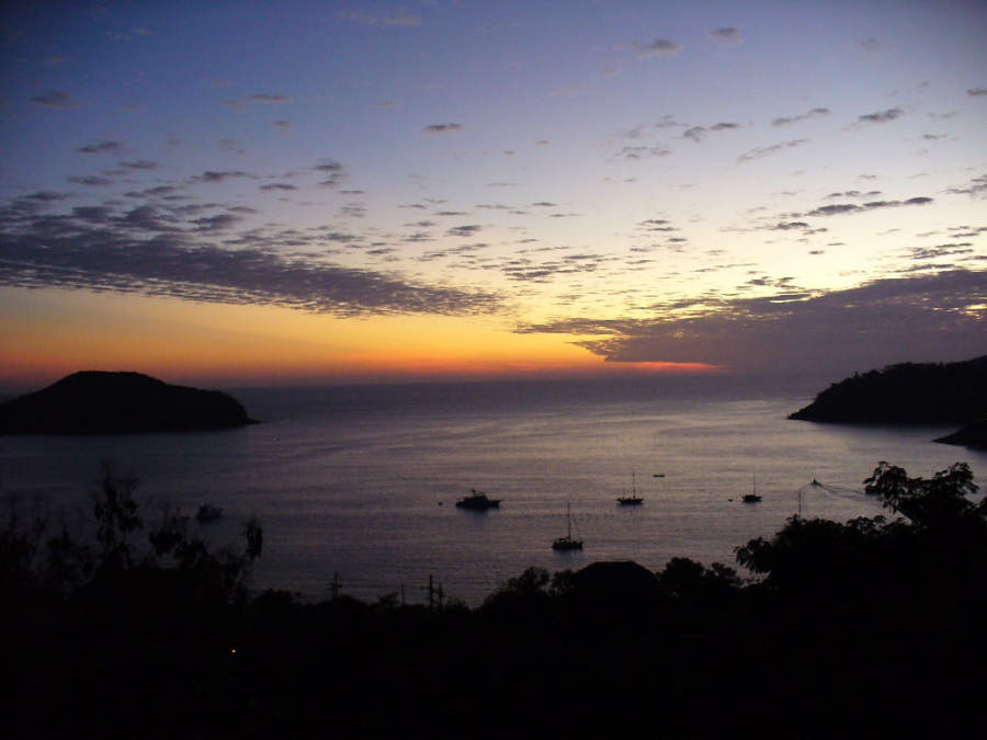 <p>Sunset in Zihuatanejo, Guerrero</p>