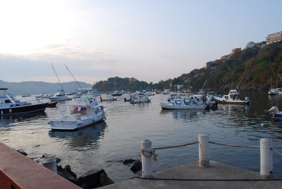 <p>Boats to Las Gatas Beach</p>