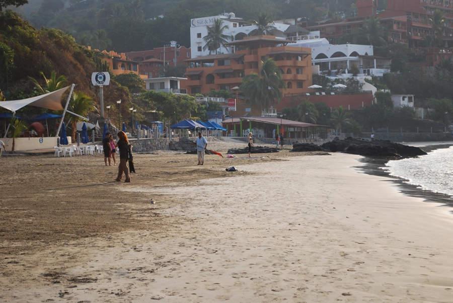 <p>Playa La Madera, Zihuatanejo, Guerrero</p>