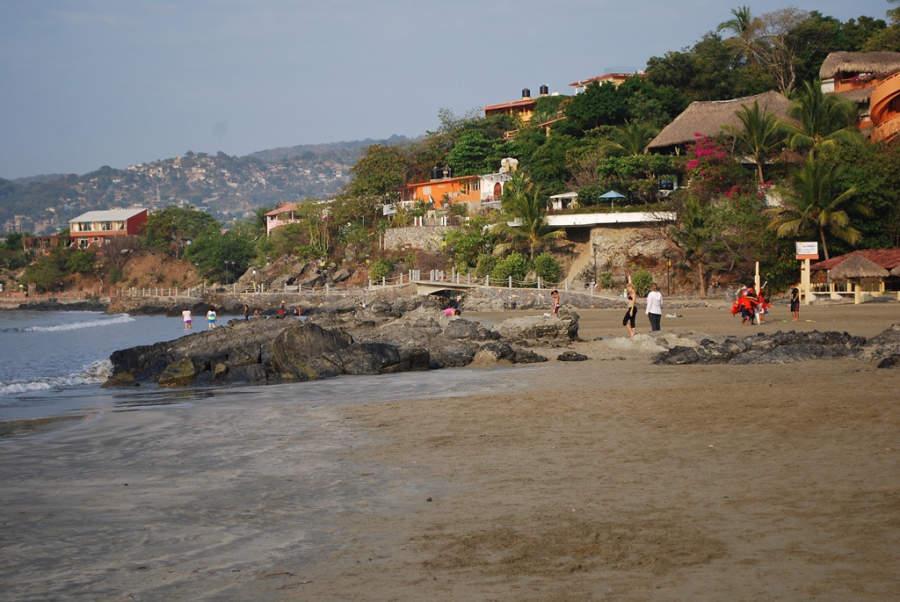 <p>Municipal Beach of Zihuatanejo</p>