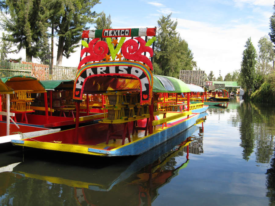 <p><em>Trajineras</em> in the canals of Xochimilco</p>