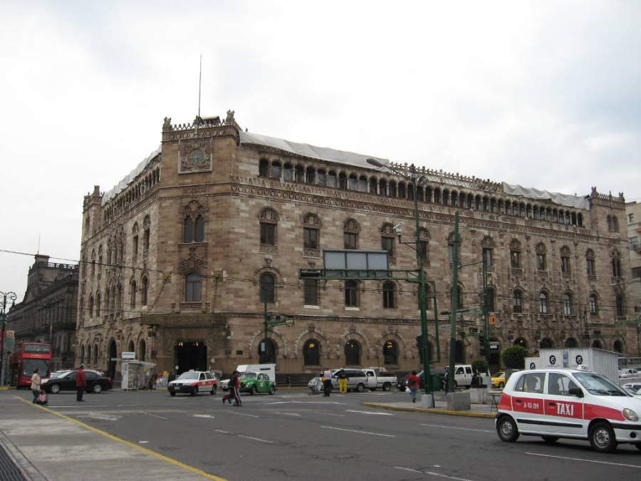 <p>Exterior view of the Postal Palace of Mexico City</p>