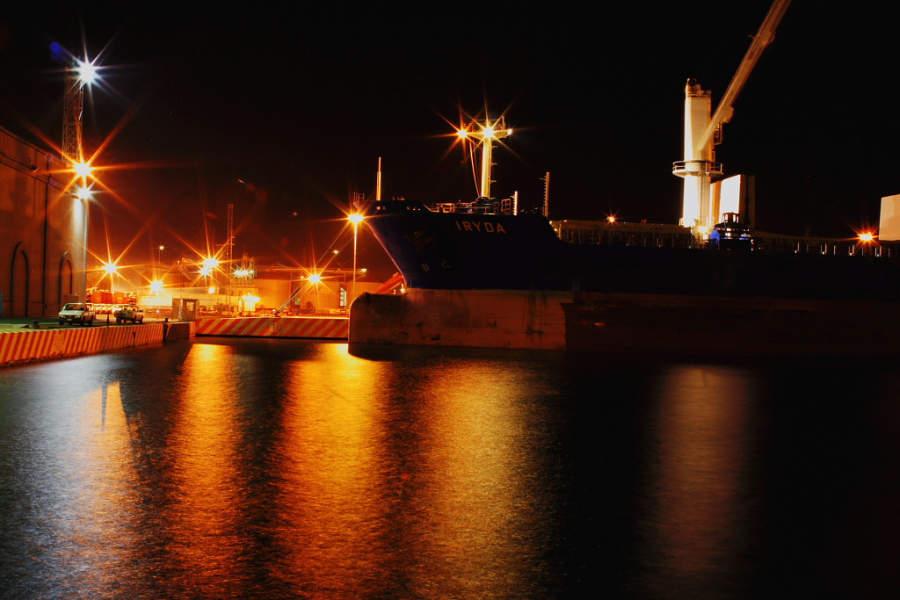 <p>Dusk seen inthePort of Veracruz</p>