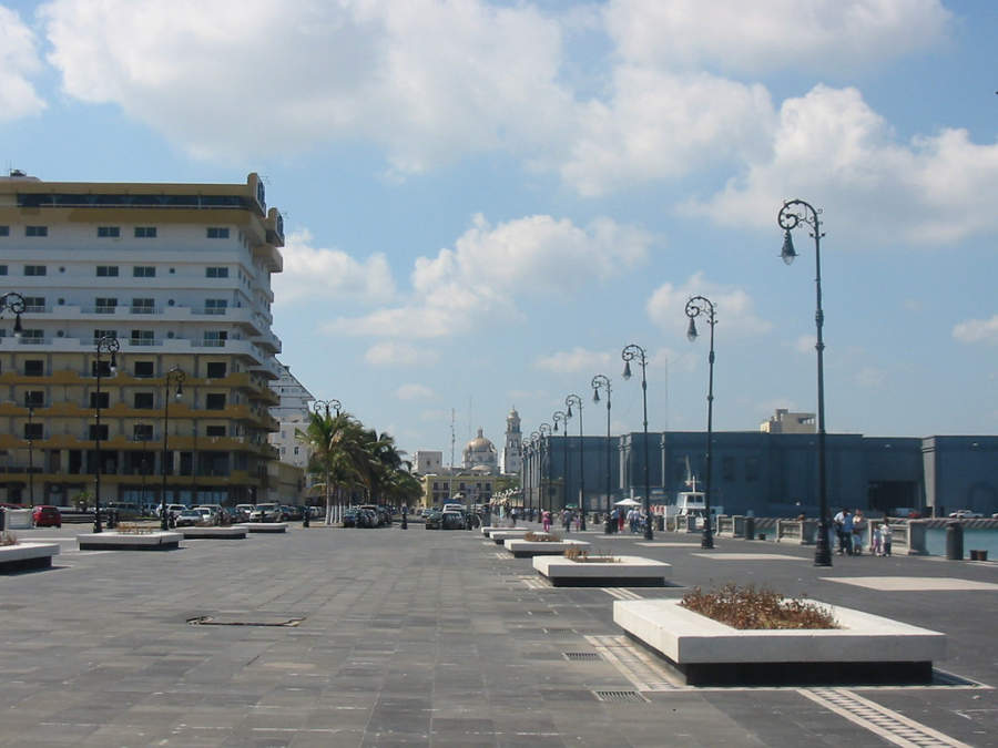 <p>The Boardwalk of Veracruz is the main tourist corridor in the city</p>