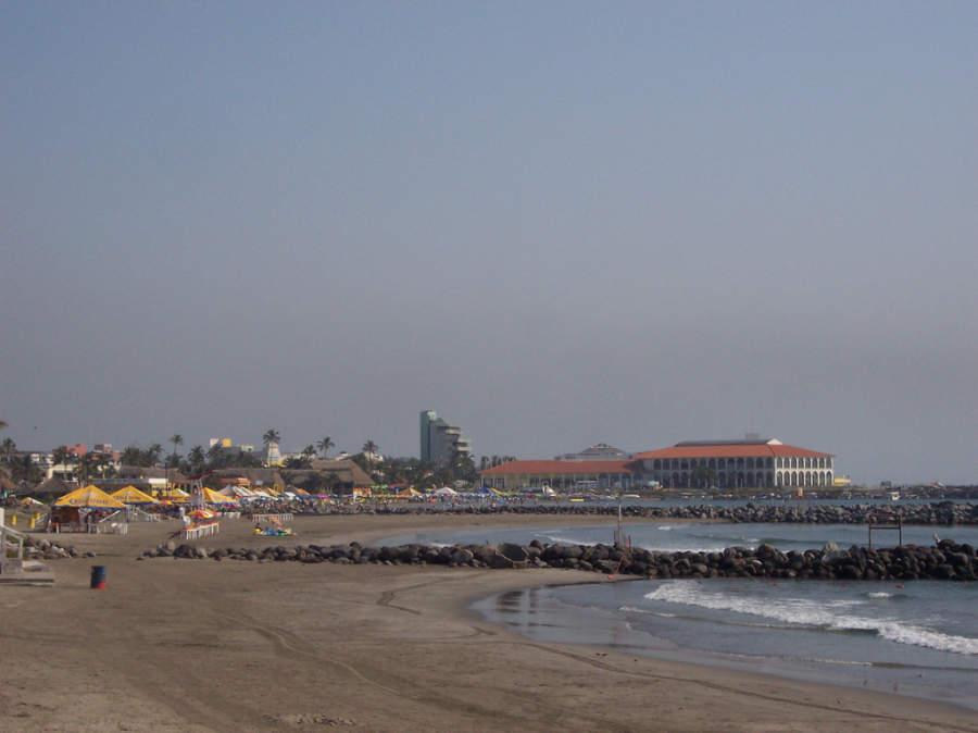 <p>Veracruz has beaches with calm swell</p>