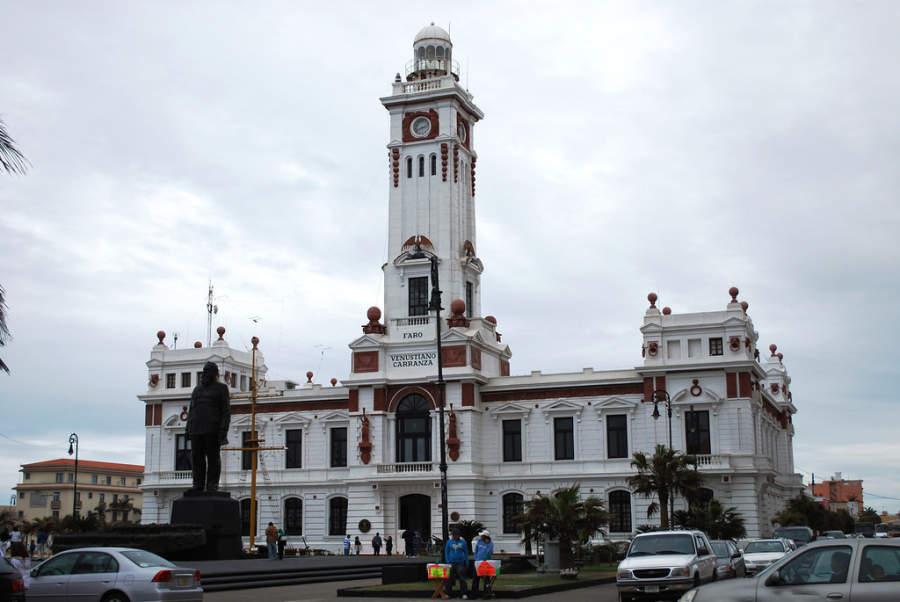 <p>Exterior view of the Venustiano Carranza Lighthouse in PuertodeVeracruz</p>