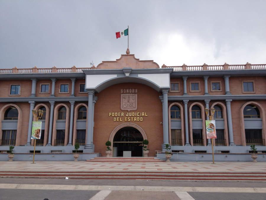 Fachada del edificio del Poder Judicial del estado de Sonora en Hermosillo