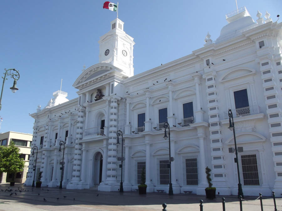<p>Exterior view of the Government Palace in Hermosillo</p>