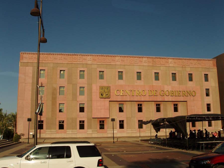 Exterior del Centro de Gobierno en Hermosillo