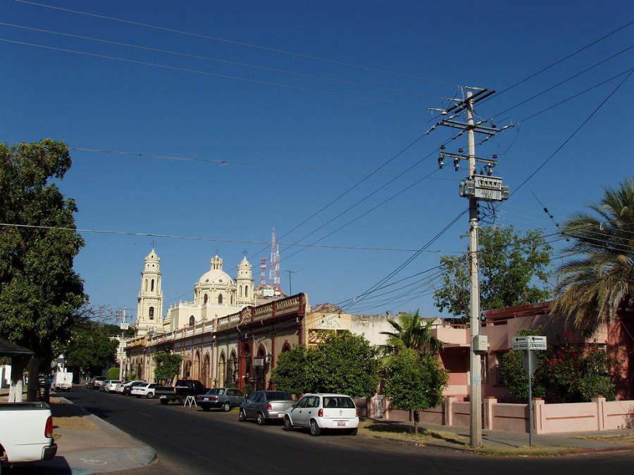 Una avenida en el centro de Hermosillo