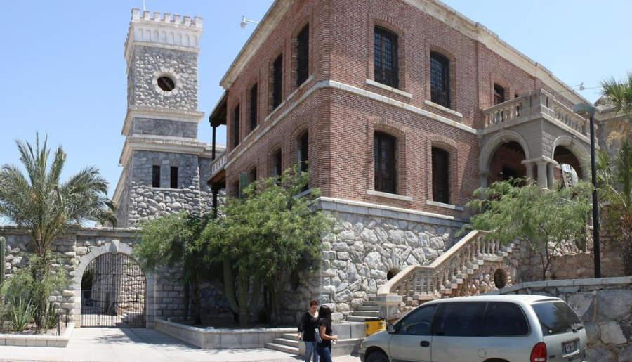 Fachada de la antigua cárcel de Hermosillo