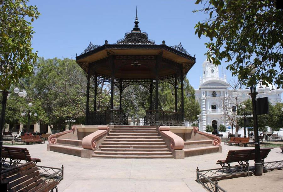 Quiosco de estilo morisco en Plaza Zaragoza