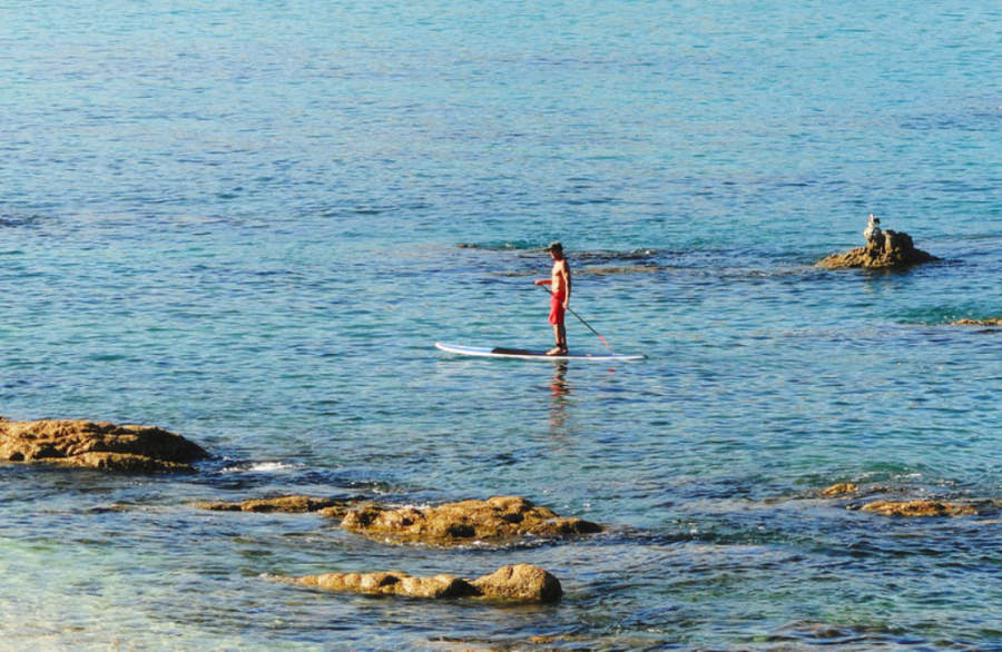 <p>Practice any water sport at Los Cabos Tourist Corridor</p>