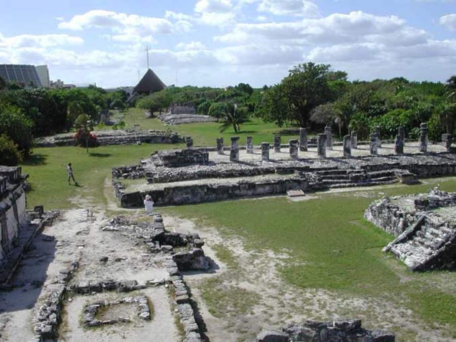 <p>El Rey es un sitio arqueológico en la Zona Hotelera de Cancún</p>