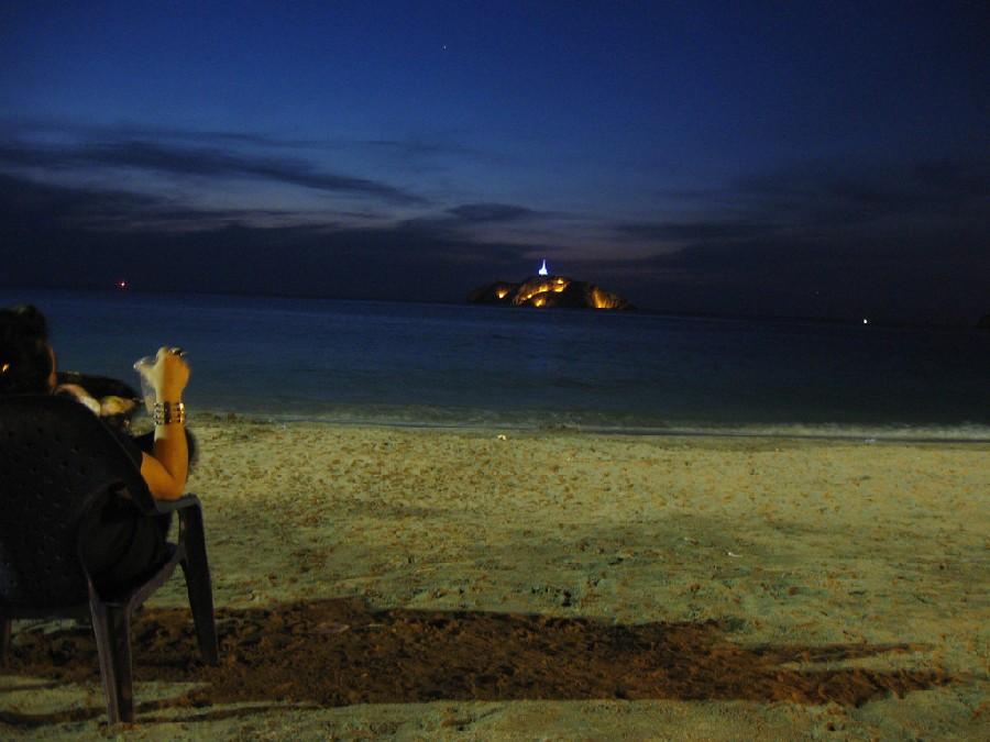 Faro de la bahía de Santa Marta