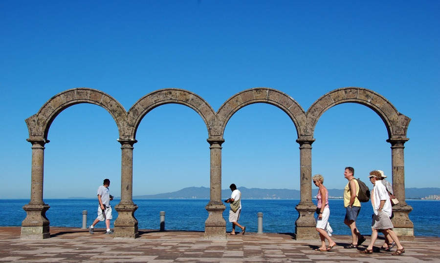 <p>Arches in Puerto Vallarta</p>