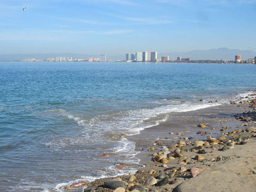 <p>Beach in Puerto Vallarta</p>
