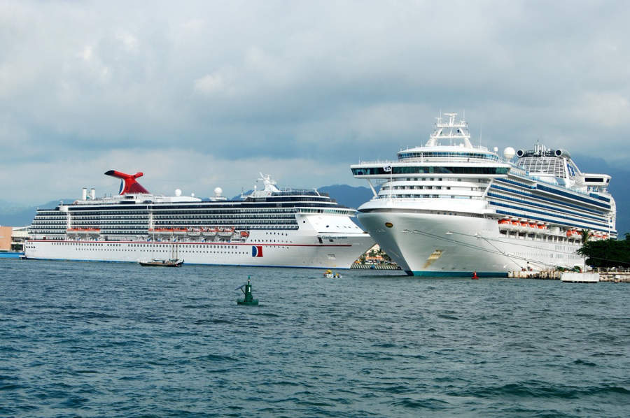 <p>Puerto Vallarta receives cruises all year long</p>