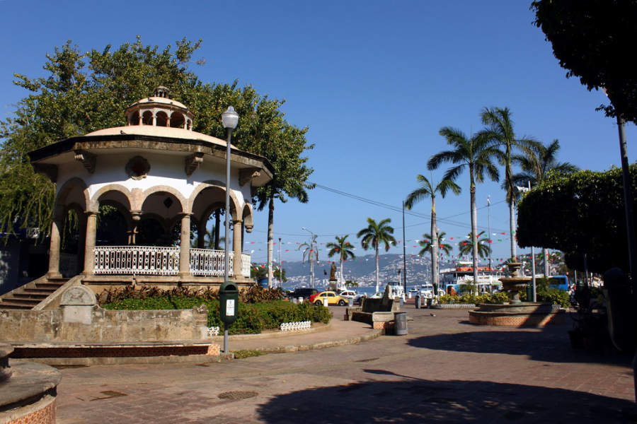 <p>Alvarez Square, one of the main meeting points in Acapulco</p>
