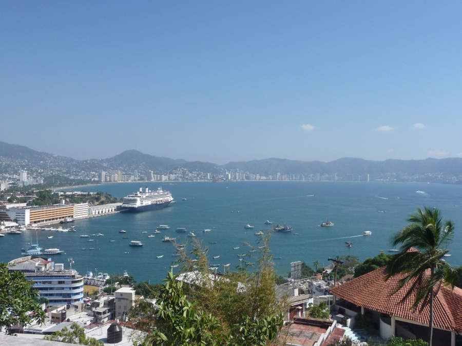 <p>Panoramic view of Acapulco Bay</p>