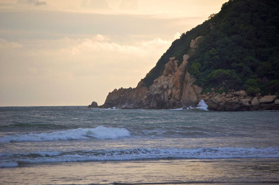 <p>Revolcadero Beach in Acapulco, famous for its big waves</p>