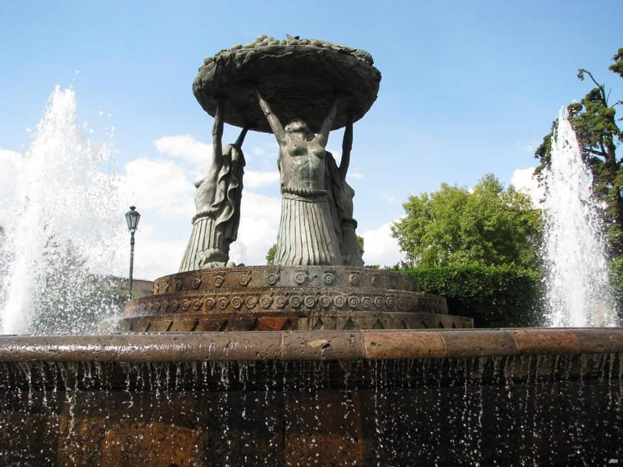 <p>Tarascas Fountain in Morelia</p>