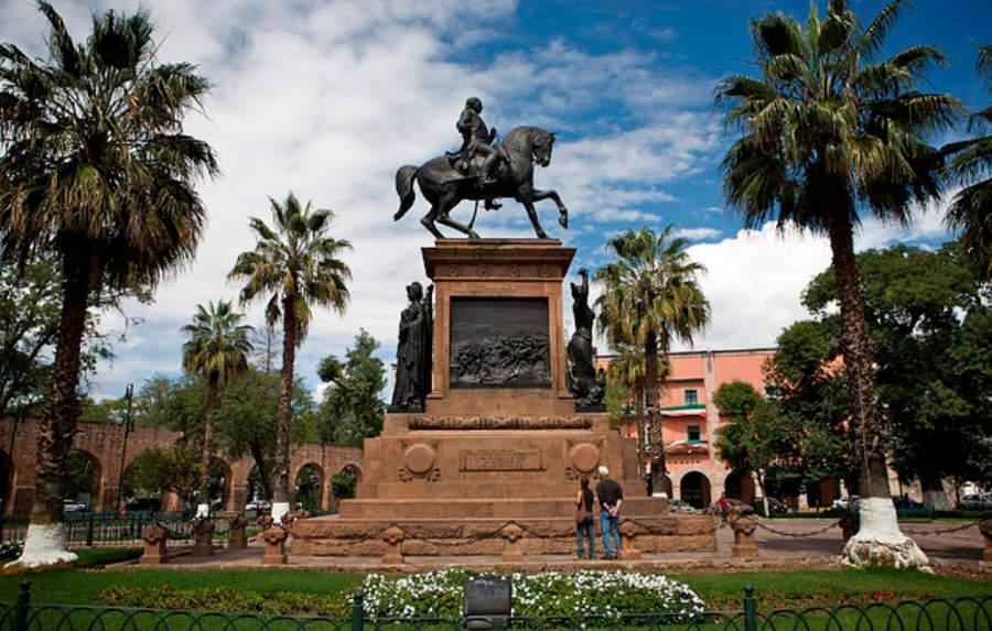 <p>Morelos Square</p>